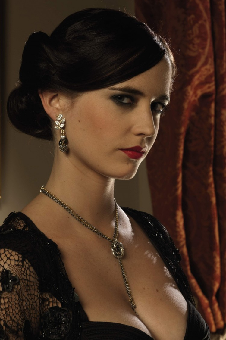 Eva Green's character Vesper Lynd is treated as Bond's equal in Casino Royale.