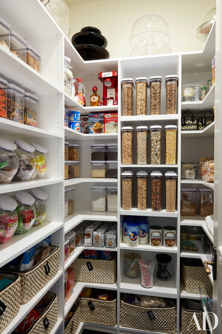 Khloe's pantry demonstrates why she is the Queen of Organization.
