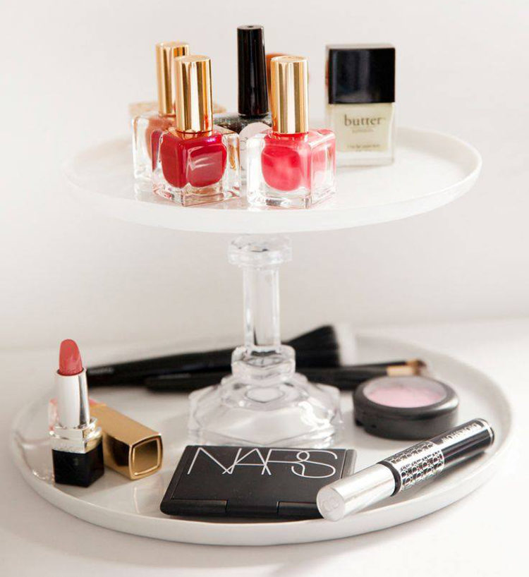 The cake stand Feast your eyes on all the pretty products you own by organising with a cake stand. Lay out your fragrances, nail polishes and lipsticks on single or multiple tiers.