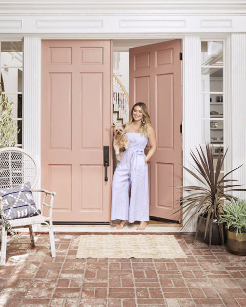 take-a-peak-inside-Hilary-Duff's-patterned-LA-home-feature