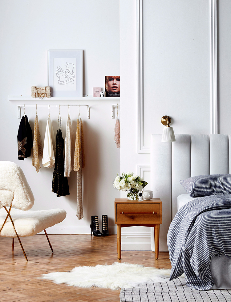 the-smartest-way-to-choose-what-to-get-rid-of-from-your-wardrobe-image