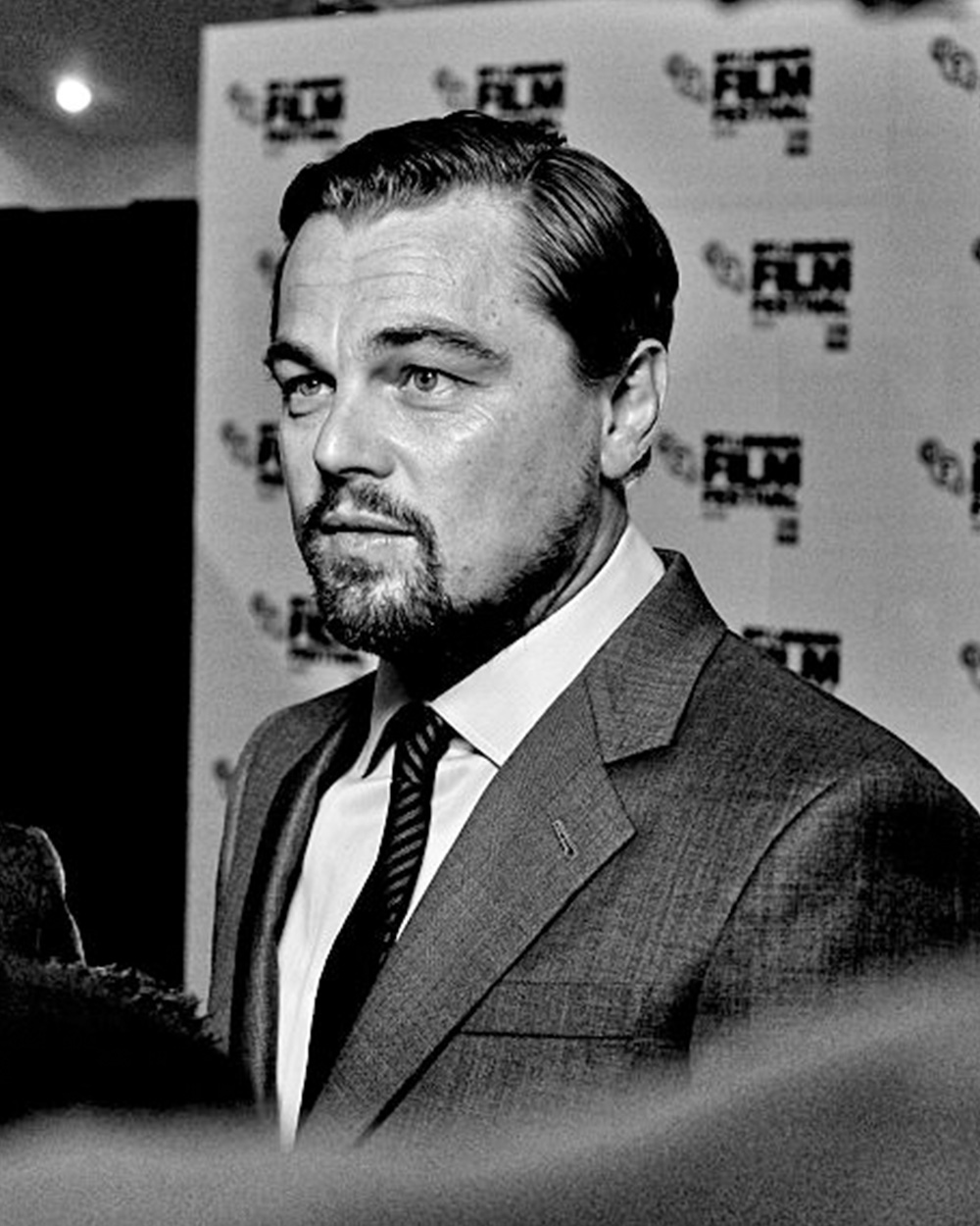 leo-dicaprio-home_featured-image-1000x1250