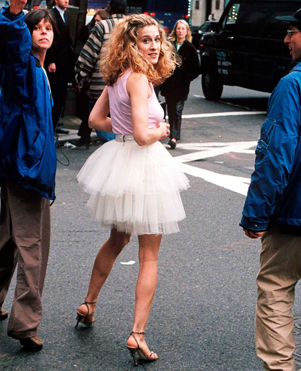 20-iconic-sex-and-the-city-outfits-2