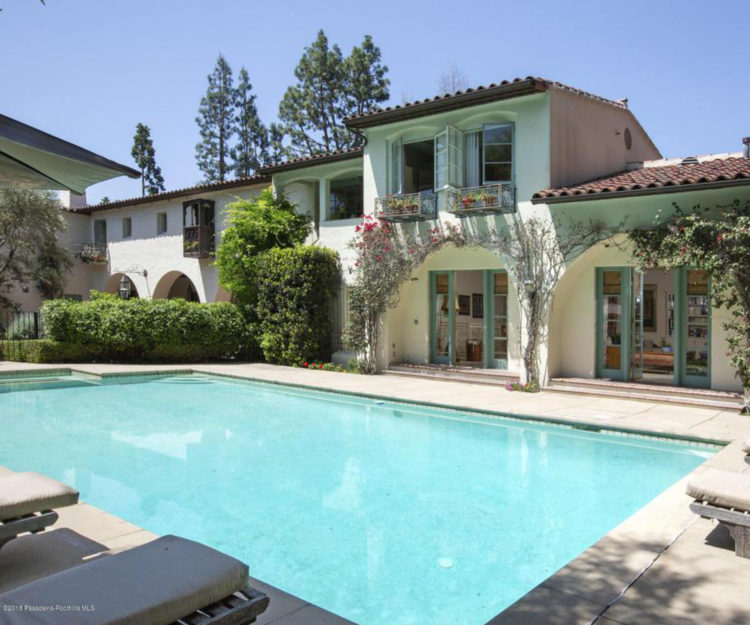 Cameron Diaz's LA house in 'The Holiday' is for sale