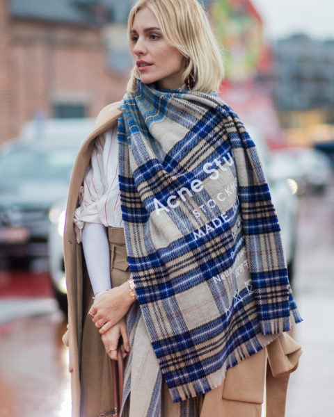 Wrap-up-warm-this-winter-with-these-cosy-scarves-feature