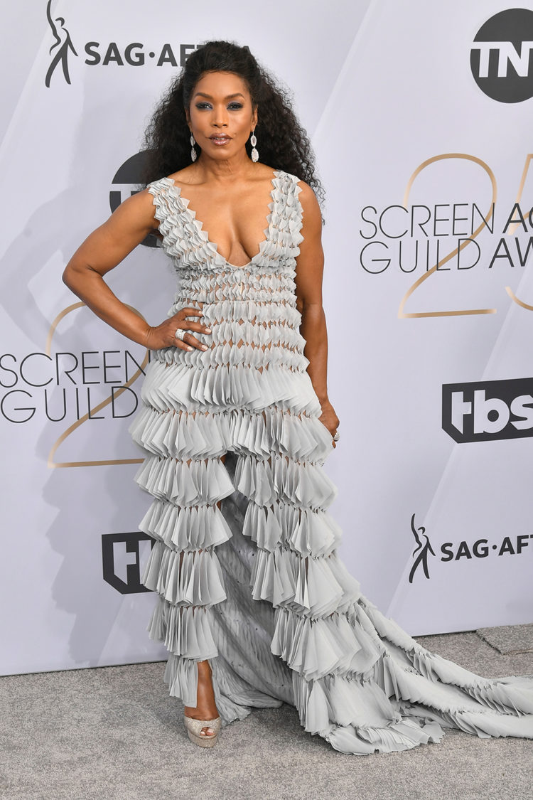 Mandatory Credit: Photo by Rob Latour/REX/Shutterstock (10072501fv) Angela Bassett 25th Annual Screen Actors Guild Awards, Arrivals, Los Angeles, USA - 27 Jan 2019 Wearing Georges Chakra Same Outfit as catwalk model *9734905t